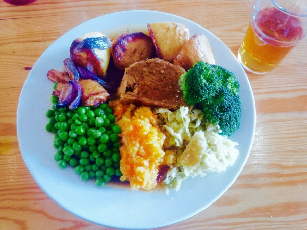 Karamel's Sunday Roast with lager (1)